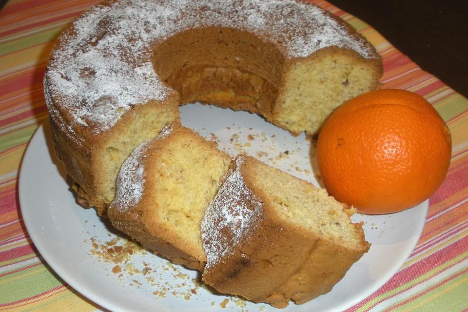 Κέικ πορτοκάλι με καρύδια ή αμύγδαλα